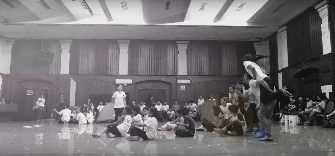 Kerja keras di balik gemerlap sebuah pementasan drama musikal