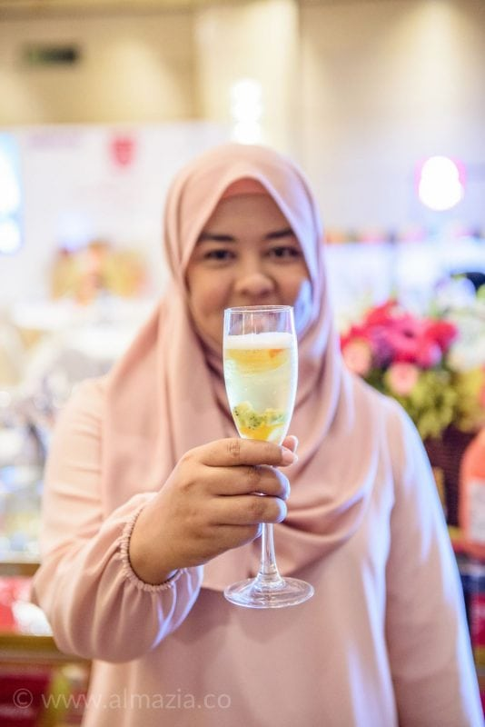 Discover The Most Beauty in You Minuman Kolagen Agelez Bihaku Ritz Carlton