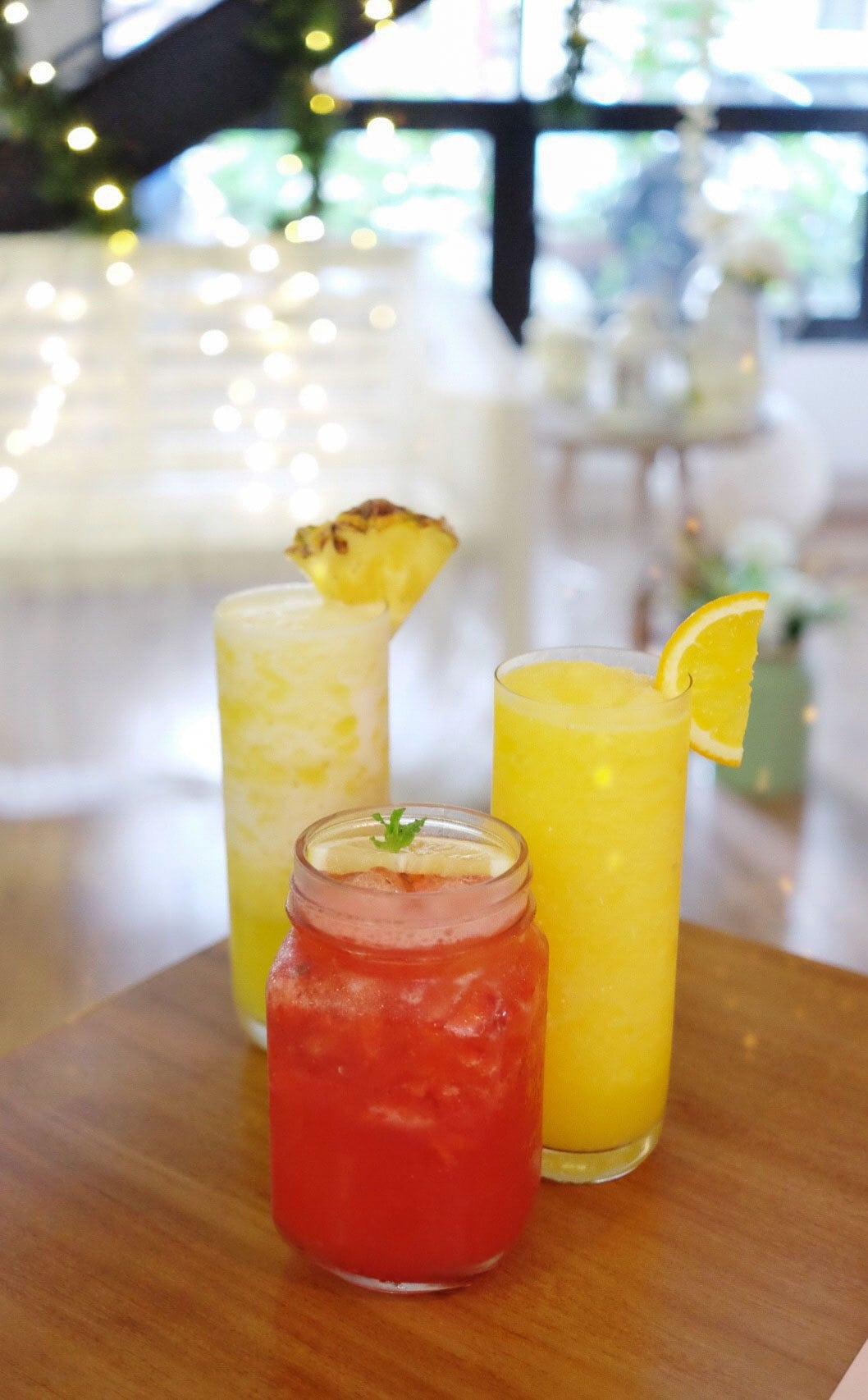 Strawberry Lemonade, Pineapple Juice & Orange Juice