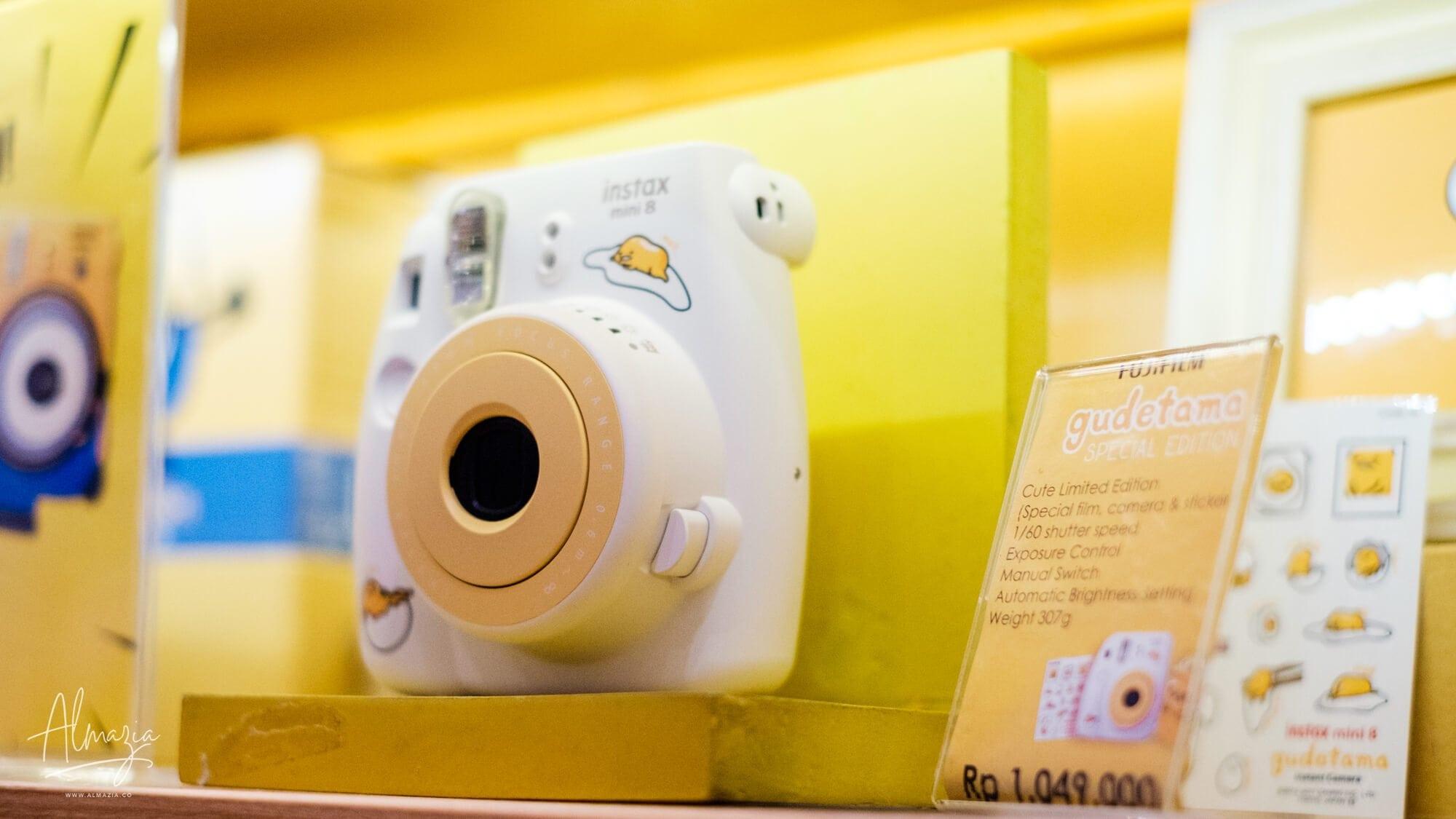Kamera Fujifilm Instax Mini 8 Gudetama Special Edition